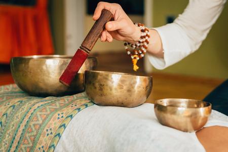 Bol chantant tibétain Banque d'images - 77748943