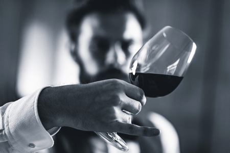 Sommelier tasting red wine Foto de archivo