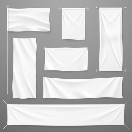 Banner pubblicitari in tessuto bianco. Panni in tessuto bianco appesi alla corda. Tela tesa di cotone vuota piegata. Modello di vettore. Illustrazione del tessuto banner per la pubblicità, foglio orizzontale realistico