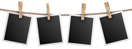 Cadres photo rétro suspendus à la corde isolés sur illustration vectorielle fond blanc. Photo photo pour album, photo vide