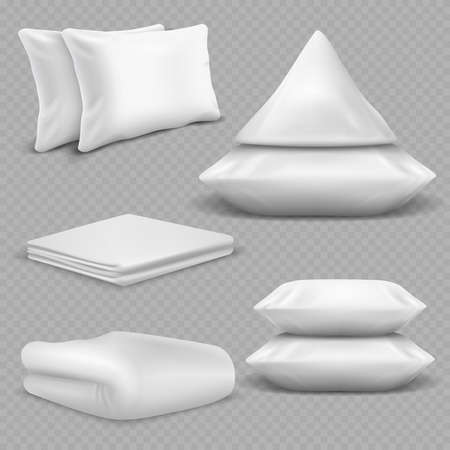 White realistic pillows and blankets isolated on transparent background. Vector blanket and pillow for bedroom, comfortable bedding textile illustration Vecteurs