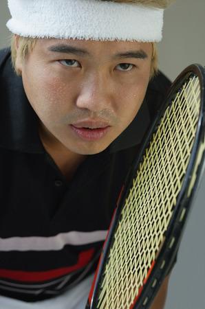 jugando tenis: Hombre jugar al tenis