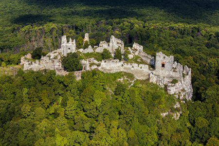 Gymes, slovakia mediaval castle, ruins of Gymes castle near Nitra 版權商用圖片