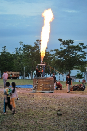 Hot air balloon fire burner