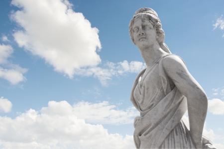 statue grecque: Statue grecque ove Sky