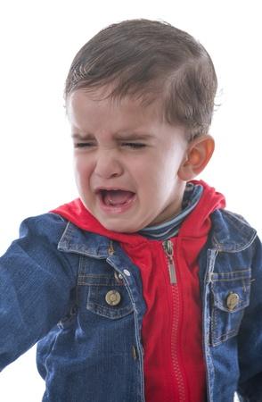niño llorando: Little Child Crying Aislado sobre fondo blanco