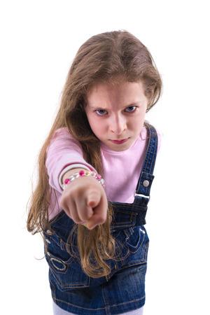 firmeza: Firma Muchacha enojada joven aislado en blanco