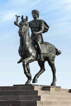 alexander: Stone Statue of Alexander The Great Riding on Horse