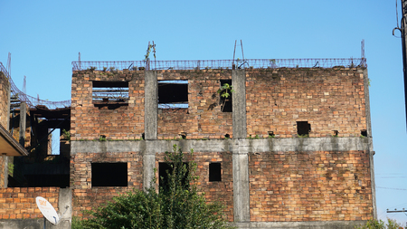 버려진 벽돌 건물 스톡 콘텐츠 - 80990837
