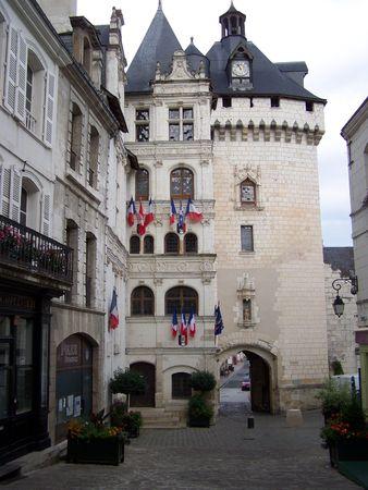 Rathaus und Picois Tor des Loches, Frankreich.