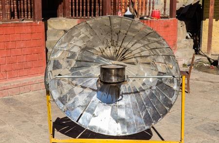Calentador parabólico solar, Himalaya, Nepal