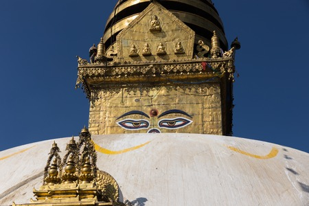 Eyes of the Buddha on the Boudhanath stupa in Kathmandu. 版權商用圖片