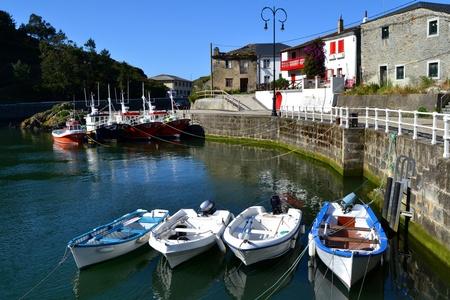 Viavelez、スペインの港。Viavelez は、アストゥリアスの町