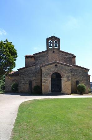 julian: Church of San Julian de los Prados, Oviedo - Asturias