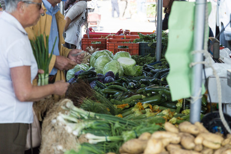 peasant: vegetable bench at market