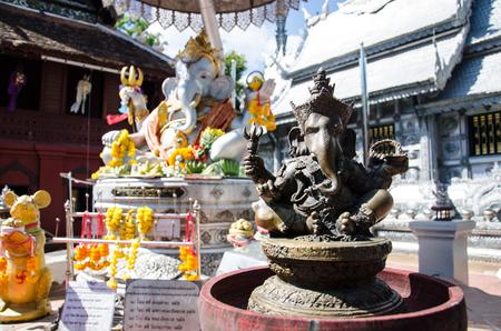 Close-up statue de bronze antique Ganesha dieu hindou d'Elephan Seigneur de Sucess à Chiang Mai, Thaïlande