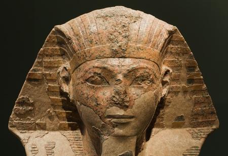 sfinx: Hoofd van een sfinx met het gezicht van koningin Hatshepsut