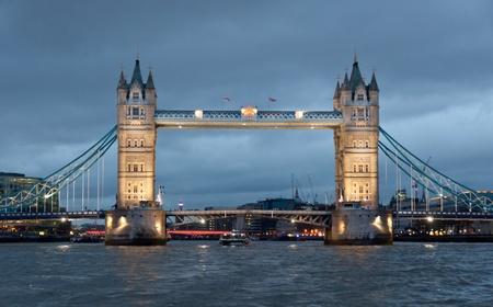 london bridge: Front View of The Tower bridge, London, United Kingdom