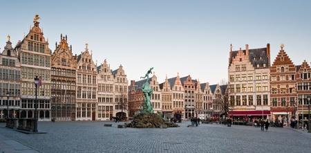 belgique: Market square in Antwerp, Belgium, at sunset