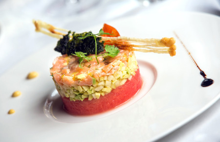 comida gourment: Deliciosa comida gourmet en un plato Foto de archivo