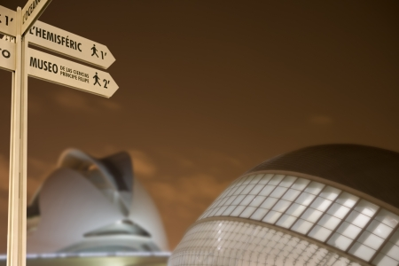 Night takes pole of Con-Altica of orientation-n in the City of Sciences, Valencia, Valencia Spain-a