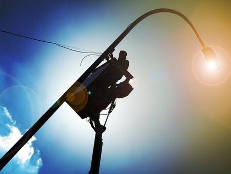 Maintenance and repair streetlights