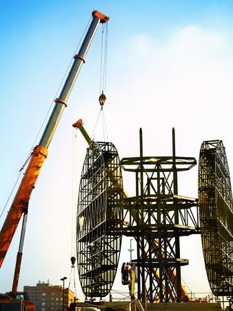 La construcción del monumento a la Dama Ibérica Editorial