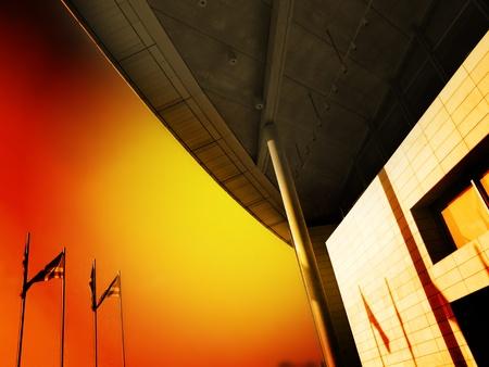 La sombra de la bandera en la fachada de un edificio Foto de archivo