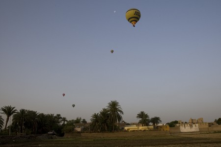flight mode: LUXOR, EGYPT - MAY 25: We take a balloon ride over The Nile Valley and The Valley Of The Kings at Luxor, on MAY 25, 2008.