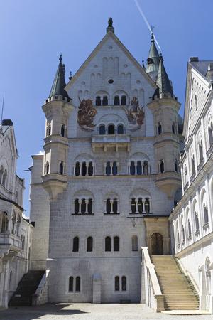 neuschwanstein: Neuschwanstein castle -  Castle cortyard