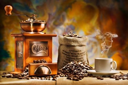 młynek do kawy: kawa dla martwej natury Zdjęcie Seryjne