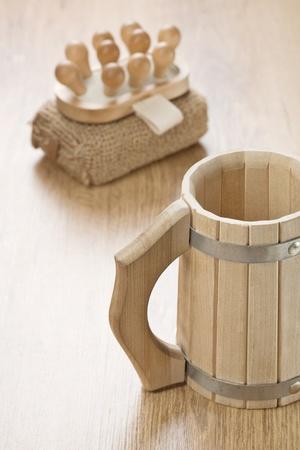 bathe mug: bath sponge massager and wooden mug