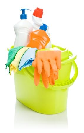 cleaning products: objetos de limpieza en balde Foto de archivo