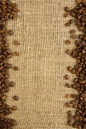comida arabe: marco de los granos de caf� en un saqueo Foto de archivo
