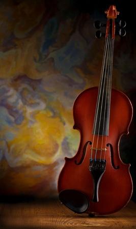 musica clasica: viejo violín sobre tabla de madera Foto de archivo