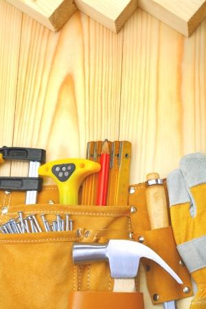 outils de construction de la ceinture sur les planches de bois Banque d'images