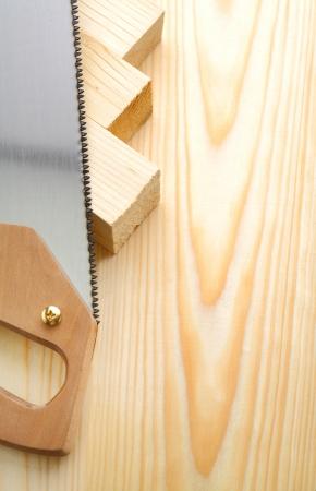 serrucho: copyspace serrucho imagen y madera
