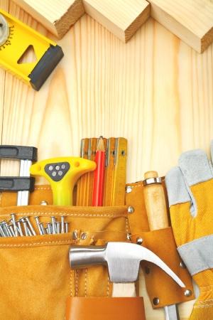 carpenter vise: composition of building tools