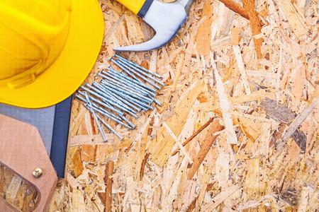 serrucho: clavos construcci�n herramientas casco serrucho garra martillo sobre contrachapado versi�n horizontal