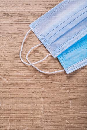 utiles de aseo personal: ilness gripe mascarillas m�dicas quir�rgicas protectores sobre jabal� de madera