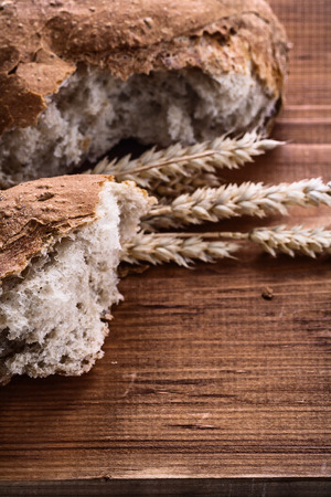 eras: sliced bread eras of rye on vintage wooden board food and dr Stock Photo