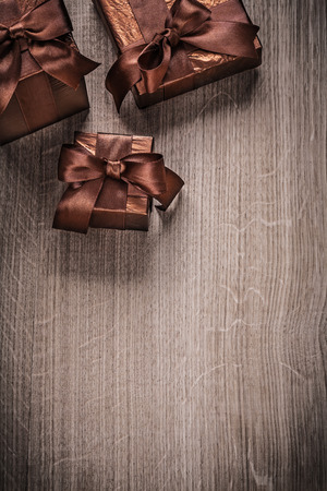 glittery: Gift boxes wrapped in glittery crumpled paper