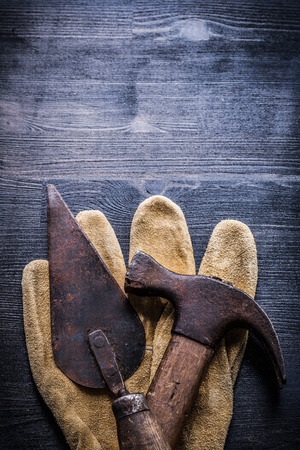 claw hammer: vertical view vintage tools putty spattle claw hammer. Stock Photo