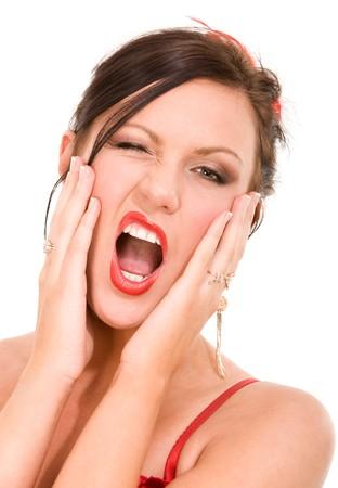 femme bouche ouverte: Screaming femme avec des lèvres rouge isolé sur blanc