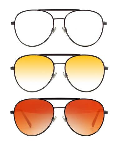sunglasses: Gafas colores aislados en blanco