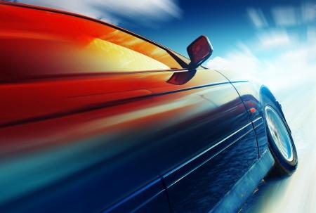 light speed: Coche borrosa en carretera helada con cielo Foto de archivo