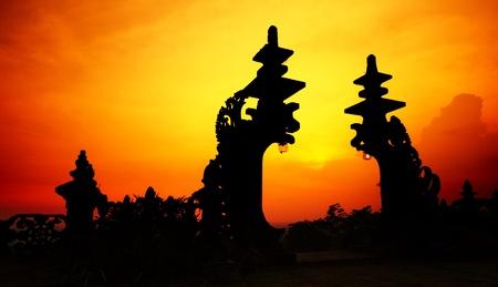 pura: Traditional hindu gate at sunset background. Pura Besakih. Indonesia