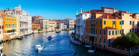 Grand canal of Venice city with boats at sunny day. Italy Stock Photo - 16875531