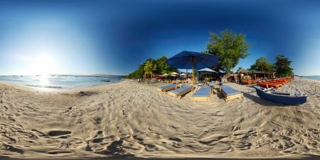 インドネシア、トラワンガン島の熱帯のビーチの球の 360 度のパノラマ 写真素材