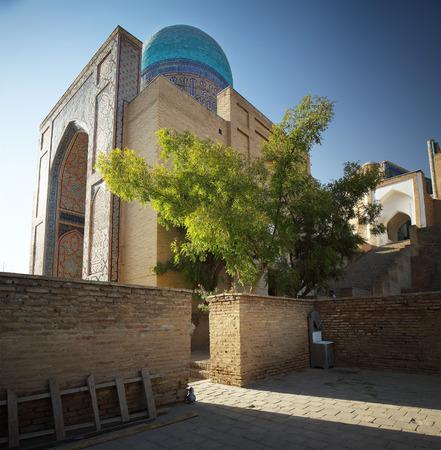 majolica: Oriental complex of buildings of Shah i Zinda. Samarkand, Uzbekistan Stock Photo